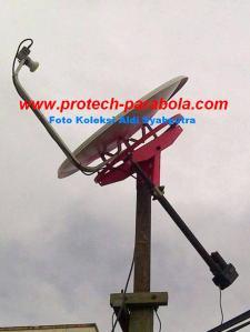 Gambar Modifikasi Dish IndovisionOkevisionTOP TV dengan Mounting Bekas Parabola Solid