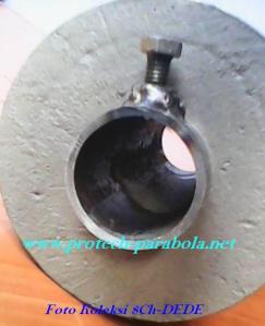 5 Kaleng cat 1 kg dan pipa yang sudah di las mor dan baut pengikat di isi semen sebagai pemberat bandul